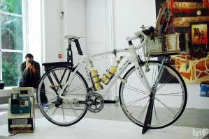 "Stages - Tom Sachs ""Lance's Tequila Bike for Girls"" Carbon fiber Trek Madone (...)"